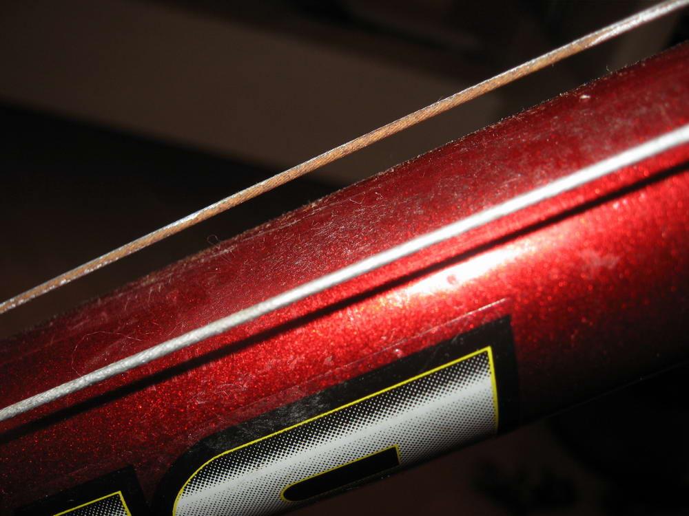 Ржавые тросики, покрашенные краской. Нажмите для увеличения