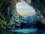 Мелиссани - пещера-озеро в круизе на яхте по островам Ионического моря
